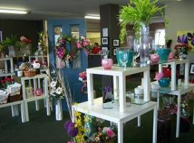 XQZT Floral Design - Click here to e-mail us.